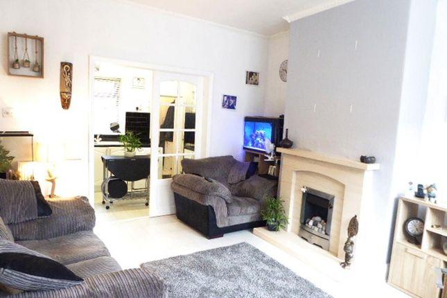Lounge of Renfrew Street, Hull HU5