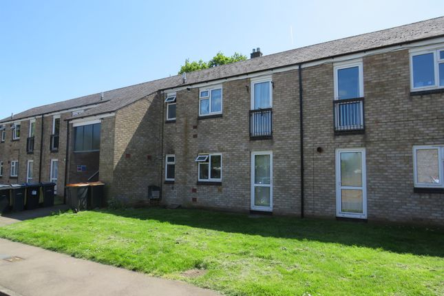Thumbnail Flat for sale in Peachs Close, Harrold, Bedford
