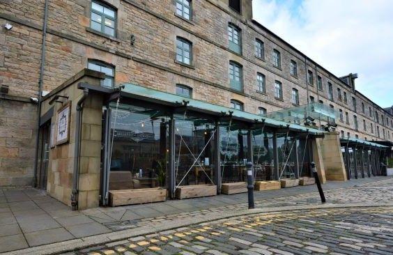 Thumbnail Restaurant/cafe for sale in Commercial Street, Edinburgh