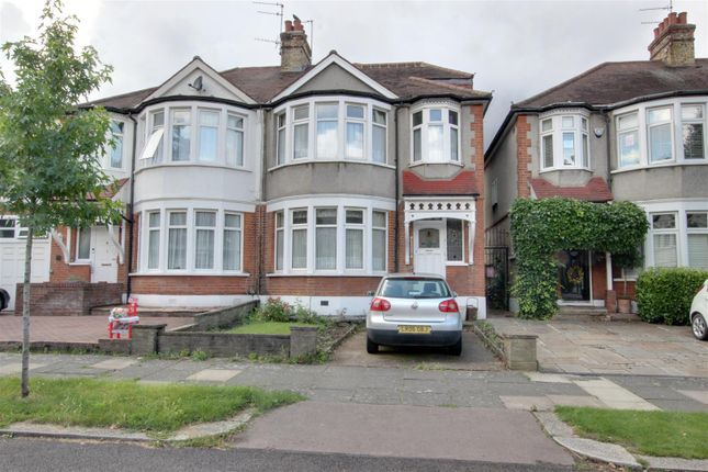 Thumbnail Property for sale in Woodland Way, London