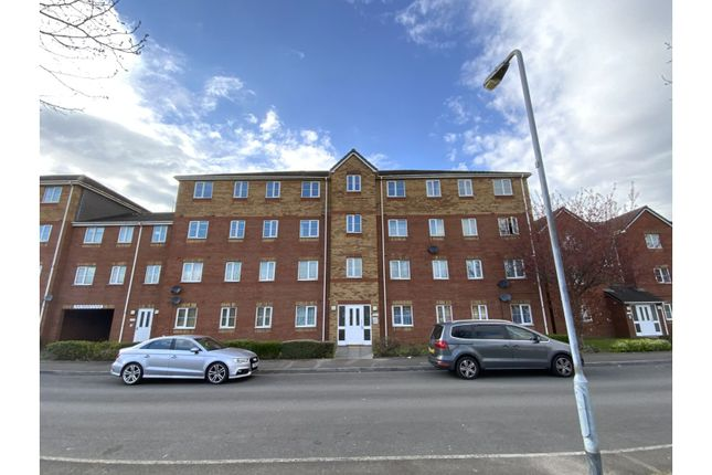 Thumbnail Flat for sale in Beaufort Square, Cardiff