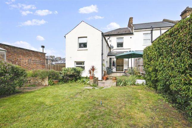 Thumbnail Flat for sale in Harefield Road, Brockley