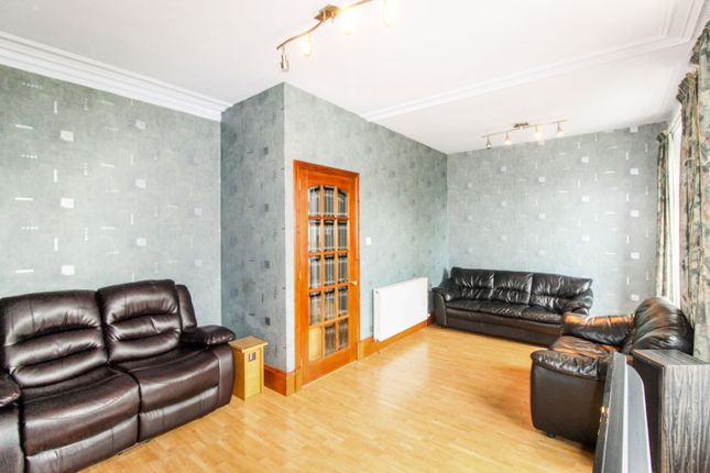 Lounge of Walker Road, Aberdeen AB11