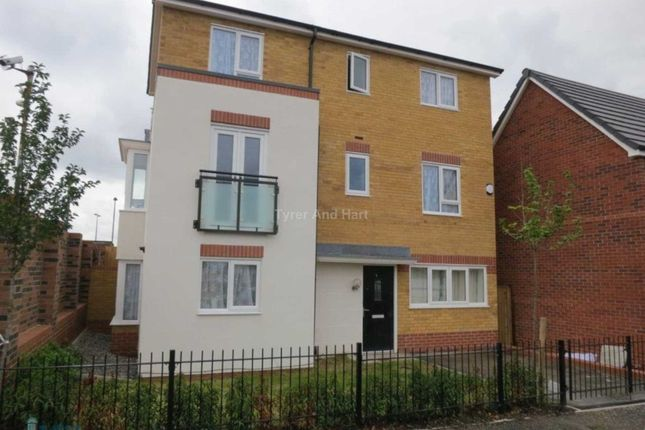 Shared accommodation to rent in Gladstone Road L7, 6 Bed 3 Bath House Share