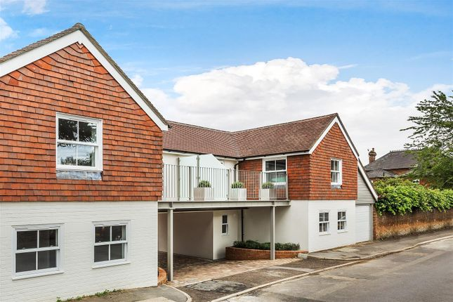 Thumbnail Town house for sale in Eastwood Road, Bramley, Guildford