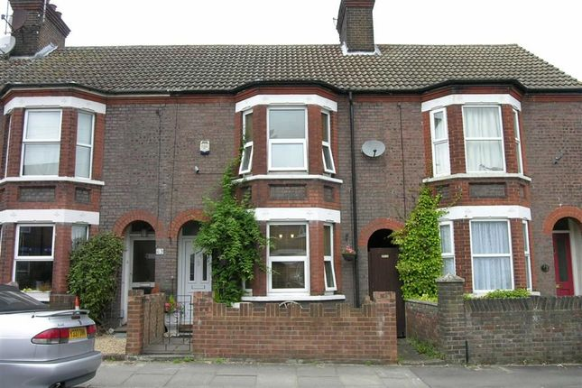 3 bed terraced house to rent in St. Peters Road, Dunstable