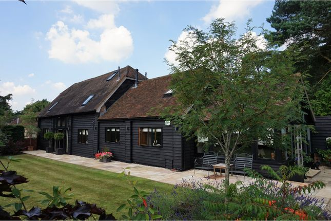 4 bed barn conversion for sale in Howe Road, Watlington