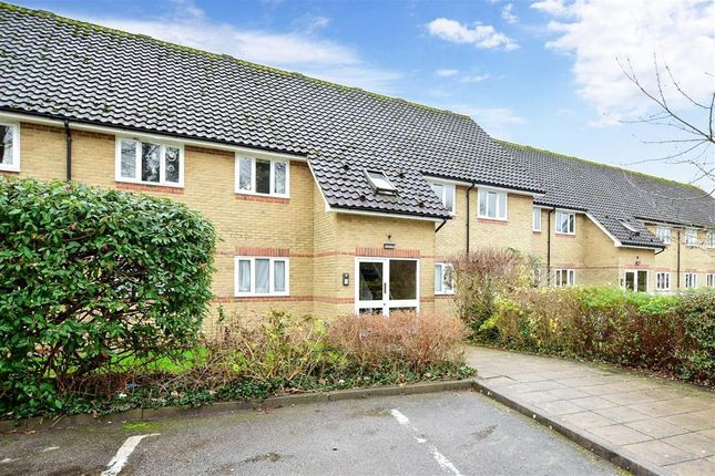 Flat for sale in Cambridge Road, Harlow, Essex