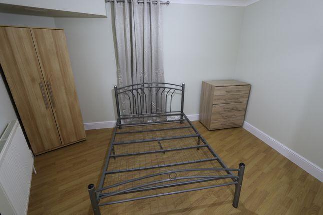 Bedroom of The Grove, New Ham E15