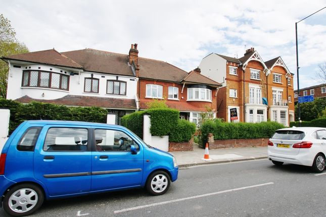 Studio to rent in Old Oak Road, London