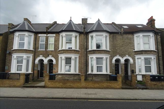 Thumbnail Maisonette to rent in Chase Side, Enfield