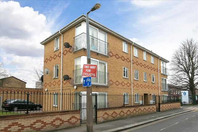 2 bed flat for sale in Wakefield Court, 30 Park Road, London E10