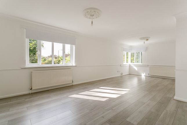 Thumbnail Flat to rent in Downs Bridge Road, Beckenham