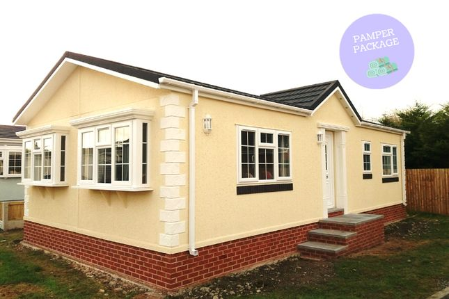 Thumbnail Mobile/park home for sale in Station Road, Sandycroft, Deeside, Flintshire