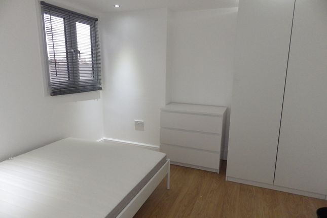 1 bed end terrace house to rent in Kenworthy Road, Homerton E9