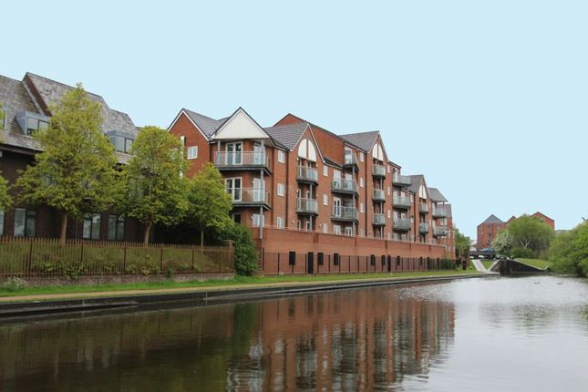 Thumbnail Flat for sale in Waterfront Way, Walsall