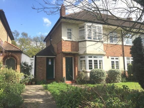 2 bed maisonette for sale in Thames Ditton, Surrey