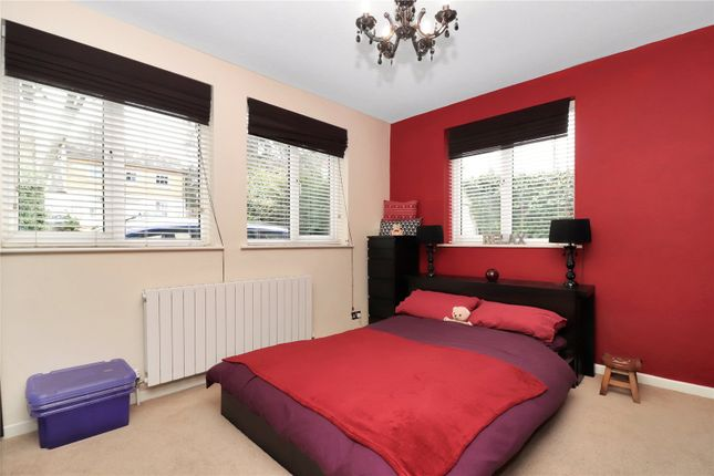 Bedroom of Abbots Road, Abbots Langley WD5