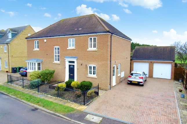 Thumbnail Detached house for sale in Goldfinch Drive, Sandy