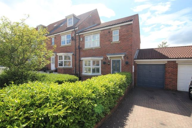 3 bed terraced house for sale in Murray Park, Stanley DH9