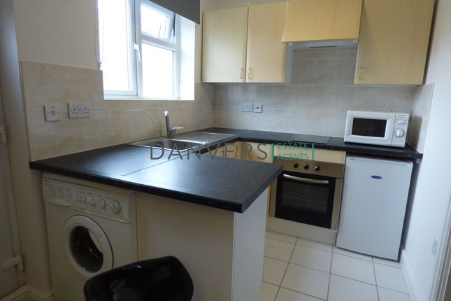 Studio to rent in Thorpe Street, Leicester