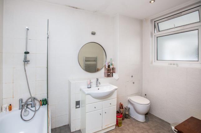 Bathroom of 8 Manbey Park Road, Stratford, England E15