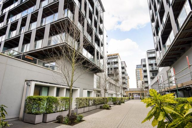 Thumbnail Flat for sale in Royal Carriage Mews, Greenwich