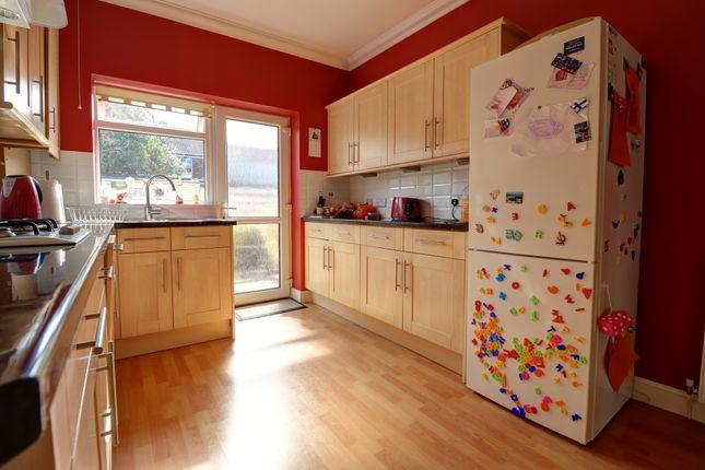 Kitchen of Lynton Grove, Portsmouth PO3