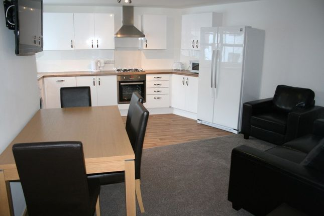 Thumbnail Flat to rent in Taddiforde Road, Exeter
