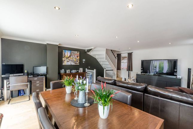 Thumbnail Property for sale in Lockesfield Place, Isle Of Dogs