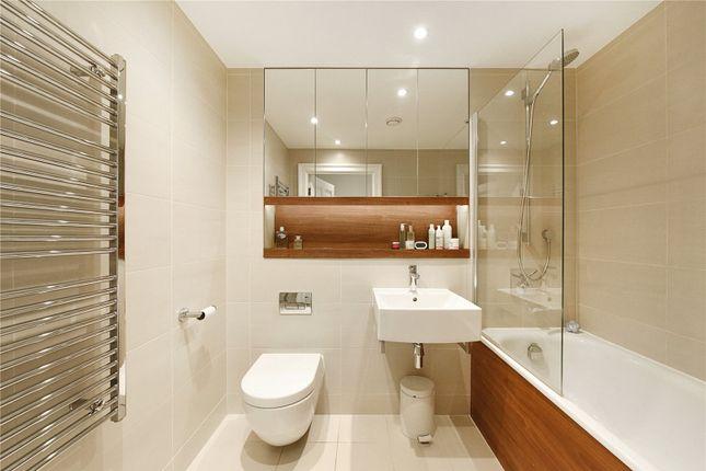 Bathroom of Drew House, 21 Wharf Street, London SE8