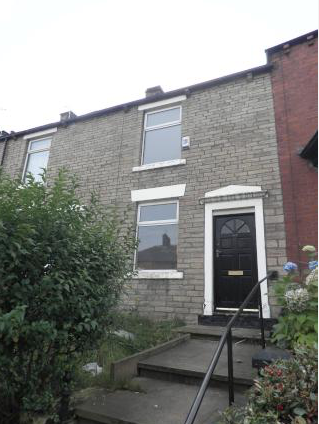 Thumbnail Terraced house to rent in Lees Road, Oldham