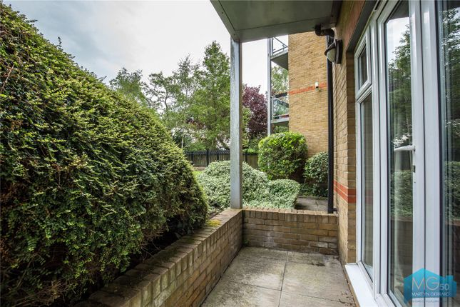 Picture No. 08 of Burberry Court, 15 Etchingham Park Road, Finchley, London N3