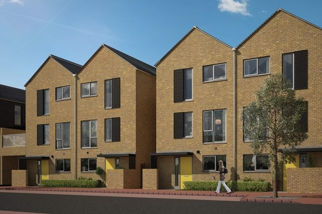 Thumbnail Semi-detached house for sale in Spring Street, Newhall Essex
