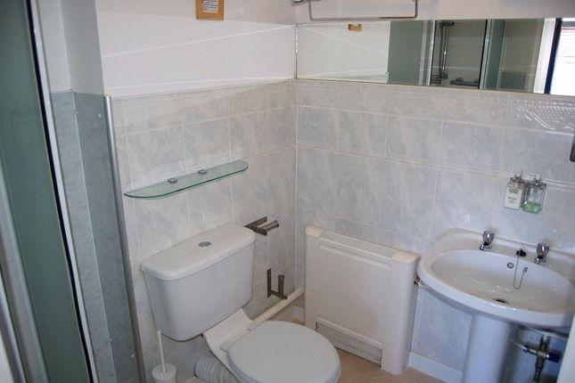 Room 10 Ensuite of Moniton Estate, West Ham Lane, Basingstoke RG22