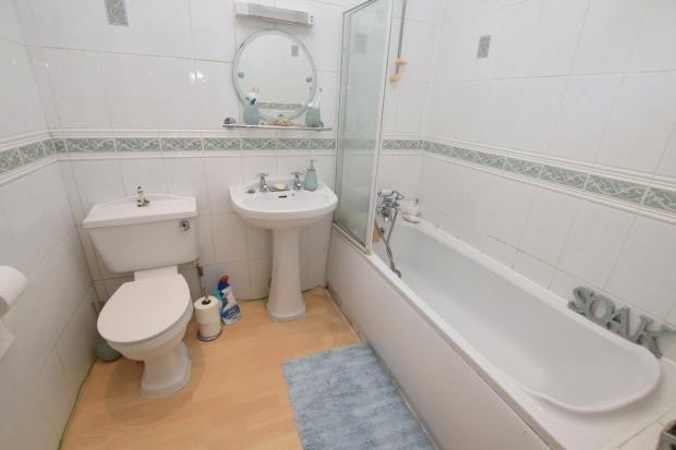 Bathroom of Carlton Manor, 9 Roundham Road, Paignton, Devon TQ4