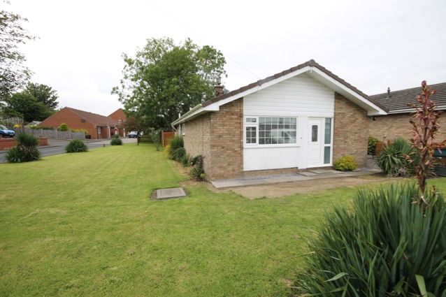 Thumbnail Bungalow for sale in Rowedale Close, Hunmanby, Filey