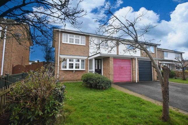 Thumbnail Semi-detached house to rent in Hollyhock Close, Basingstoke