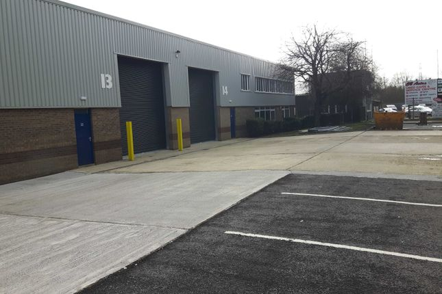 Industrial to let in River Ray Industrial Estate, Swindon