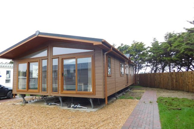 Thumbnail Mobile/park home for sale in Southsea Leisure Park, Melville Road, Southsea