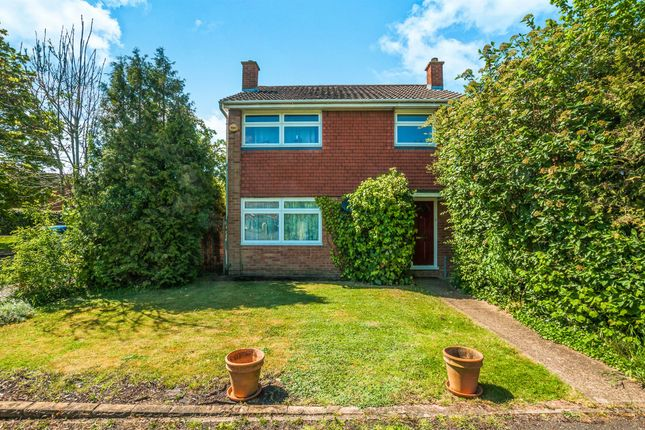 Thumbnail Detached house for sale in Ribstone Road, Maidenhead