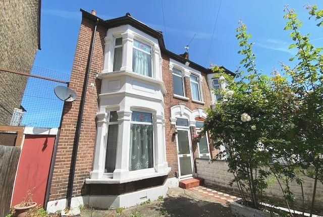 Thumbnail Terraced house to rent in Crescent Road, Plaistow