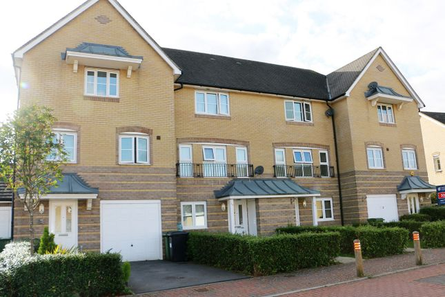 Thumbnail Town house for sale in Wiltshire Crescent, Basingstoke