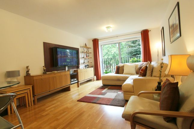 Thumbnail Flat for sale in Wellington Road, Enfield