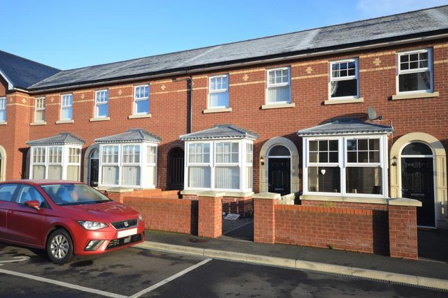 Thumbnail Terraced house to rent in West Parade Road, Scarborough, North Yorkshire