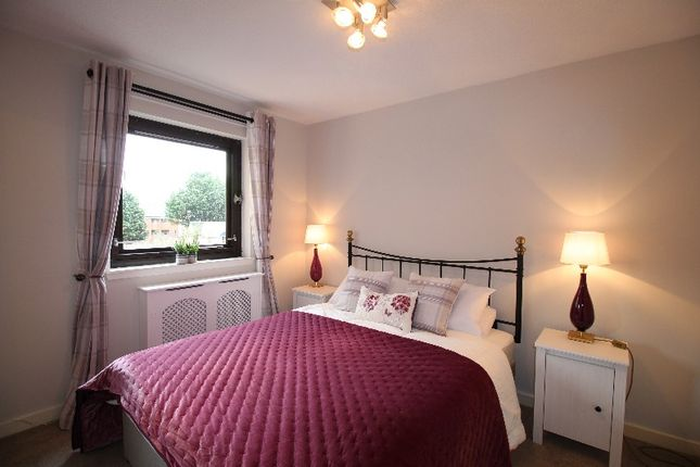 Thumbnail Flat to rent in Gilmours Entry, Central, Edinburgh