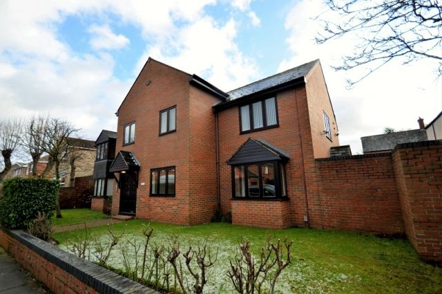 Thumbnail Flat to rent in Abbey Park Mews, Grimsby
