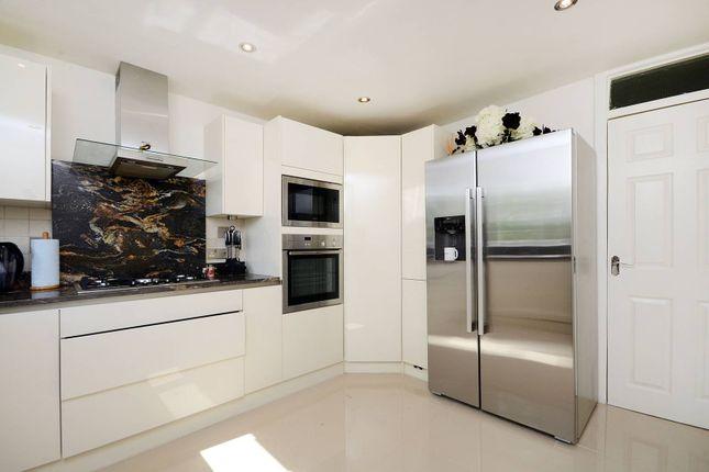 Thumbnail Flat to rent in Wimbledon Park Road, Wimbledon, London