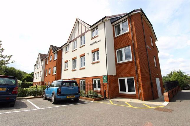 Thumbnail Flat to rent in Winchmore Hill Road, Winchmore Hill, London