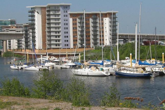 2 bed flat to rent in Victoria Wharf, Watkiss Way, Cardiff